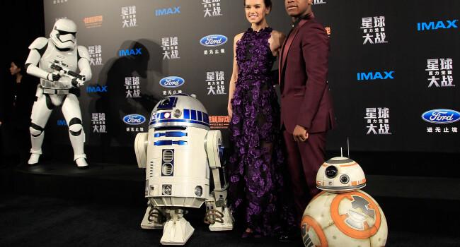 Transformarea actorului din Star Wars in doar 21 de zile: John Boyega va fi mai musculos in urmatoarele doua parti