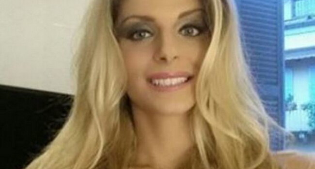 De acum tinem cu Italia la EURO :) Cum arata fata care a promis ca se dezbraca daca Buffon si Bonucci castiga trofeul   FOTO