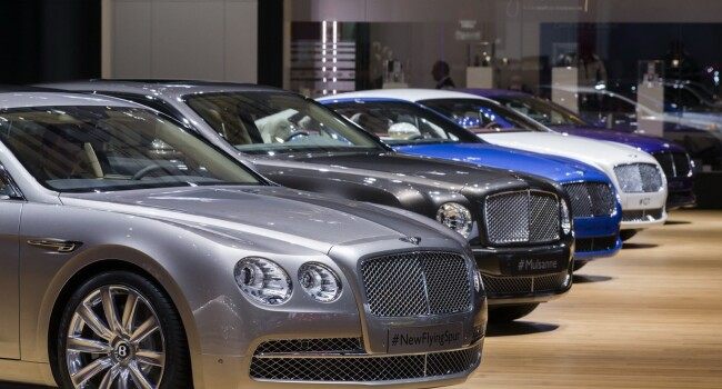 Bentley Geneva 2013 - 8