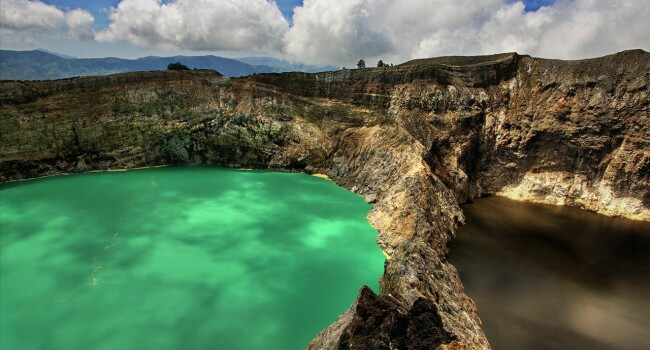 Kelimutu Crater Lakes, Flores, Indoesia