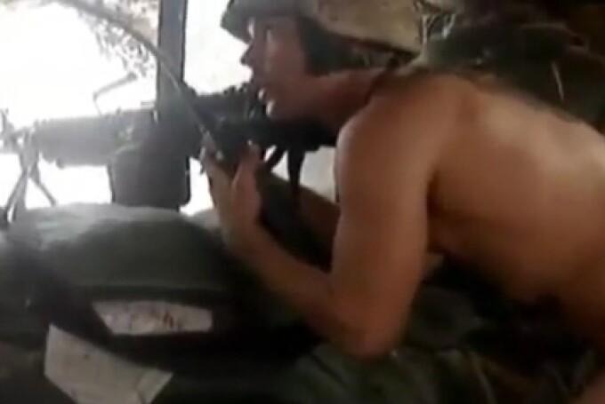 soldat american dezbracat