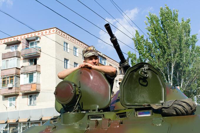 soldat intr-un tanc in Tiraspol
