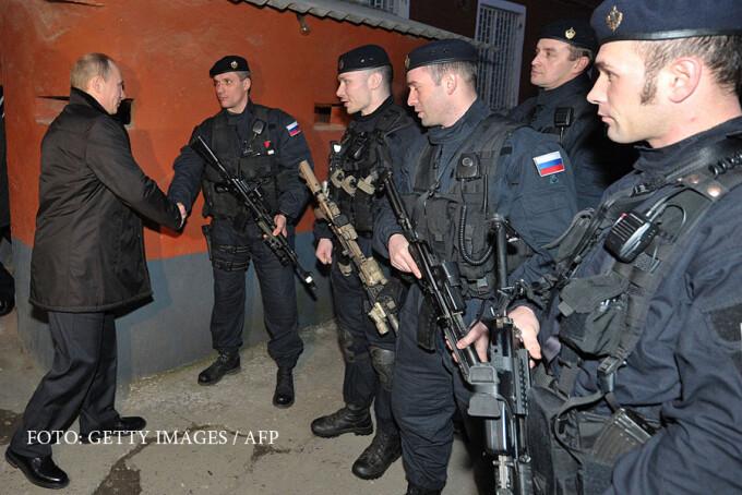 Vladimir Putin se intalneste cu trupele speciale cecene ale FSB