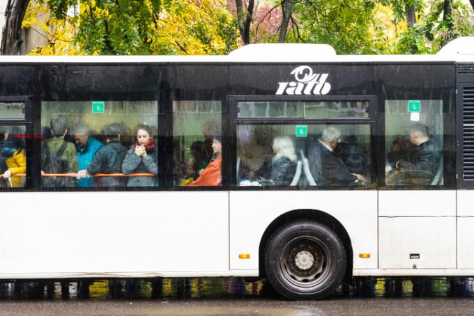 autobuz aglomerat in Bucuresti