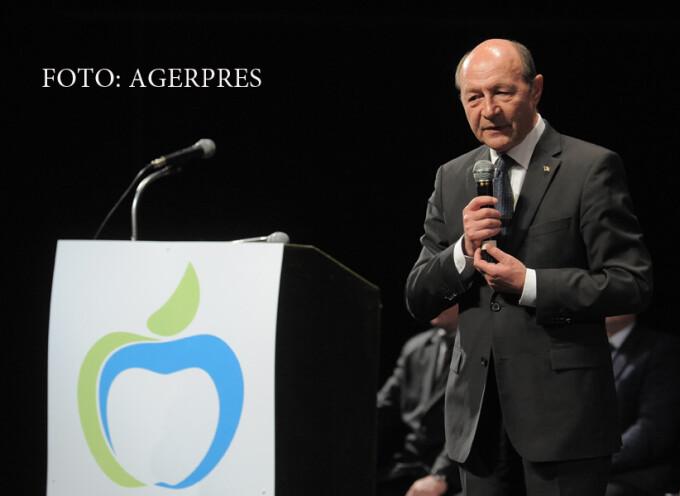 Presedintele PMP, Traian Basescu, participa la lansarea candidatilor PMP la alegerile locale, la Iasi.