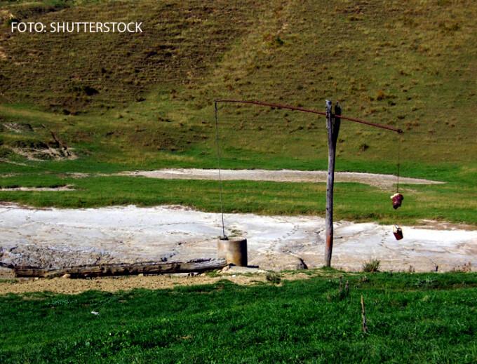 fantana cu ciutura in Romania