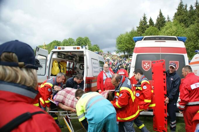 Cum salvezi o viata. Atelier si demonstratii live de medicina de urgenta si prim ajutor, in Piata Unirii din Cluj