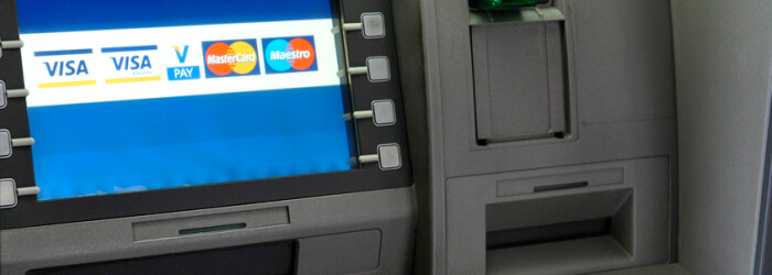 Bancomat al Bancii Piraeus Bank FOTO AGERPRES