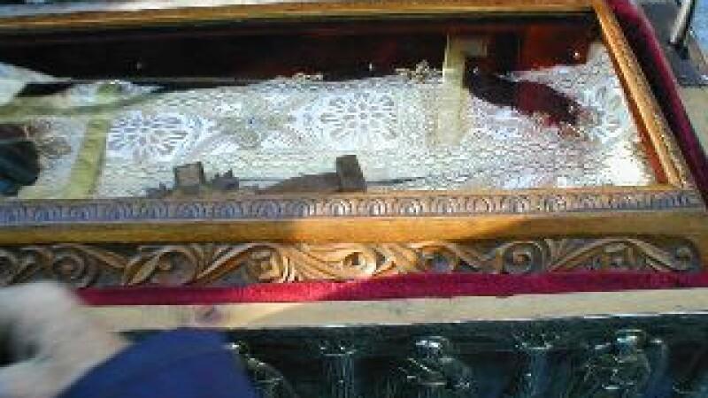 Sute de pelerini, asteptati sa se inchine la moastele Sfantului Grigorie