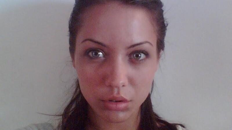 Angelina Jolie de Romania s-a spanzurat. Suferea din dragoste