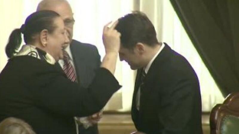 Dan Sova a fost plasat in arest la domiciliu, dupa 40 de zile in spatele gratiilor. Cine i-a stat alaturi in instanta