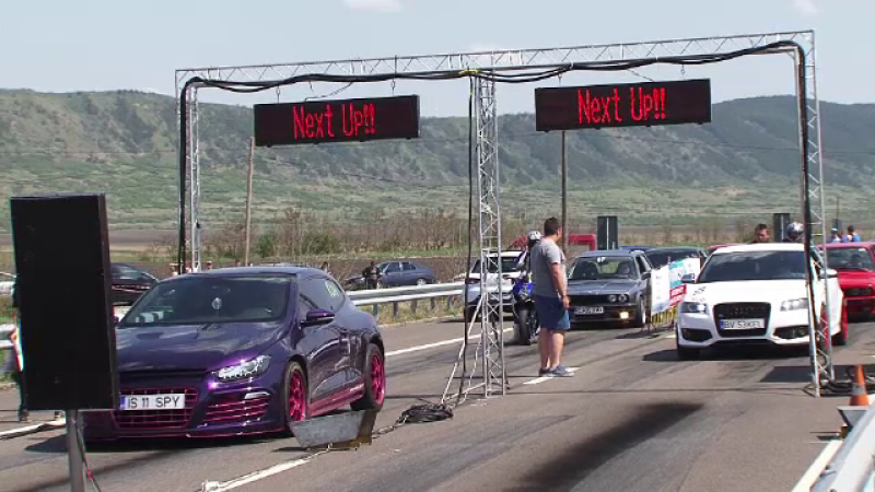 Transilvania Drag Race: spectacol de adrenalina si masini puternice. 120 de concurenti si-au aratat indemanarea la volan