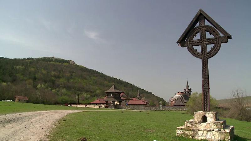 Oferte speciale pentru romanii care vor sa-si petreaca Pastele la manastire. Cat costa 3 nopti de cazare