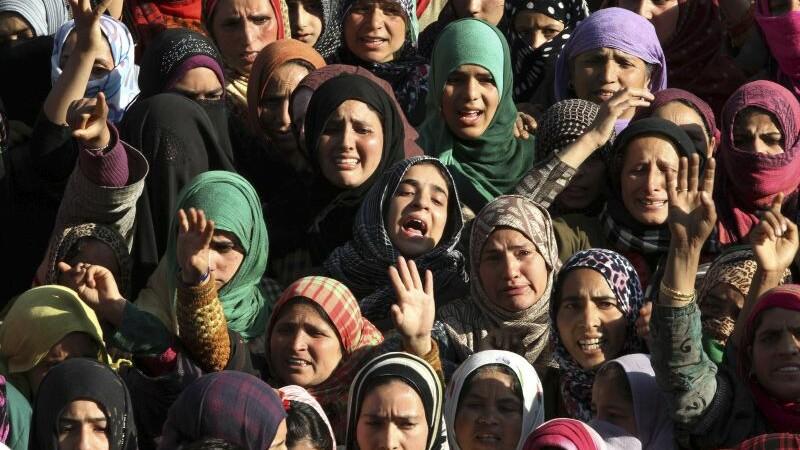Tara in care peste 20.000 de femei casnice s-au sinucis in 2014. Adevarul ingrozitor din spatele acestei statistici