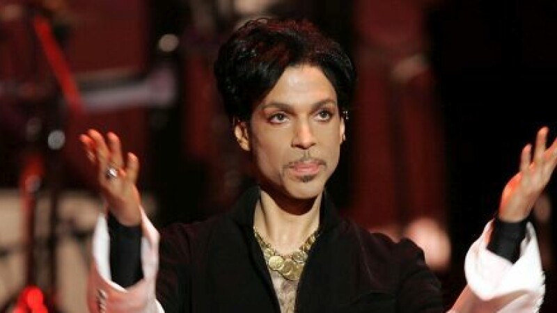 Prince a murit la 57 de ani. Celebrul cantaret a fost gasit fara viata in resedinta sa din Minesotta