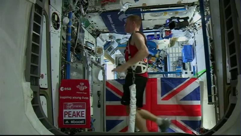 Astronautul Tim Peake, prezent din spatiu la maratonul de la Londra. Cat a alergat la bordul Statiei Spatiale Internationale