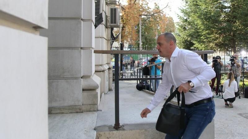 Documentele pentru extradarea lui Ghita, trimise in Serbia. Dosarul are 475 de pagini si a fost pregatit de 6 traducatori