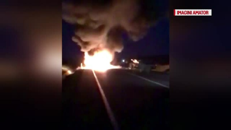 Doua masini s-au ciocnit frontal in Suceava, iar una dintre ele a luat foc. 8 persoane au ajuns la spital in ziua de Paste