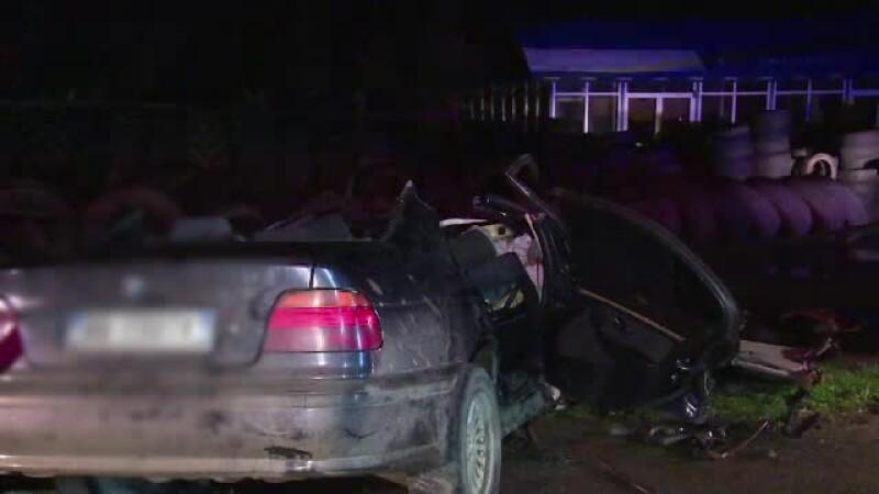 Politia are o noua ipoteza in cazul accidentului in care au murit patru tineri. Cine s-ar fi aflat de fapt la volan