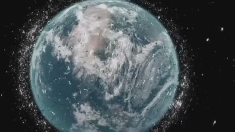Sute de mii de obiecte spatiale calatoresc in jurul Pamantului cu o viteza naucitoare. Cum vor sa le adune expertii