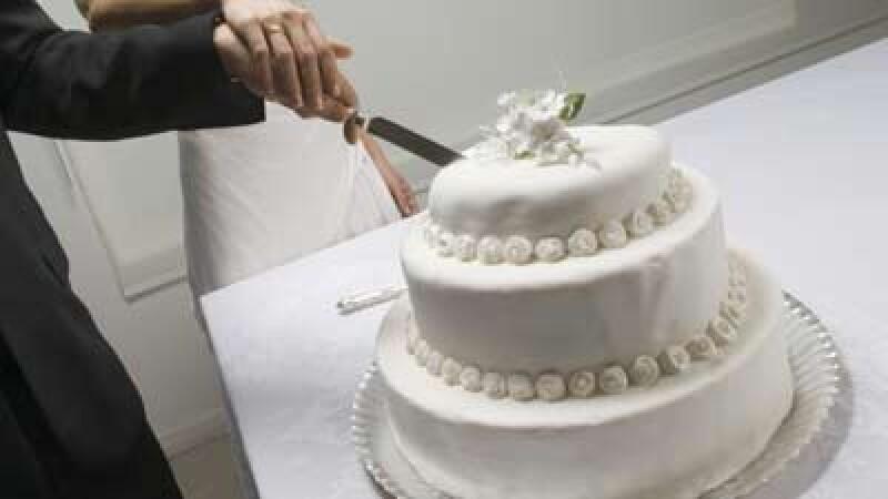 De la bal, la spital! Mirii si nuntasii, atacati cu spray-uri lacrimogene