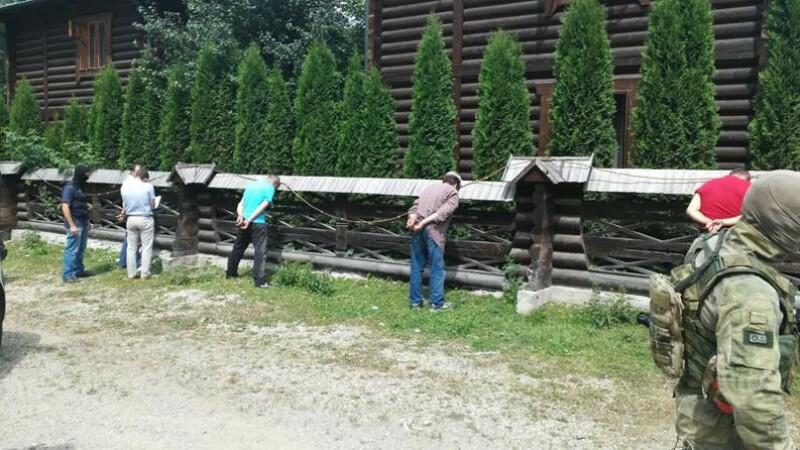 O banda ucraineana voia sa aduca in Romania materiale folosite la producerea armelor NUCLEARE.
