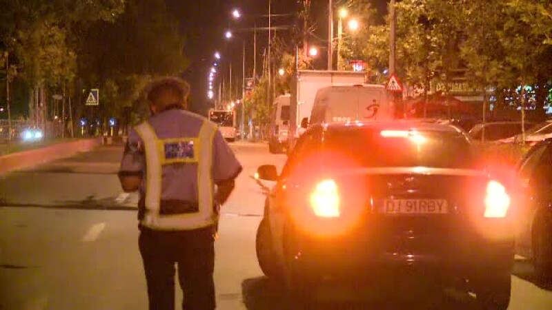 Taximetristi beti si soferi drogati, prinsi la o razie a politiei in Bucuresti.
