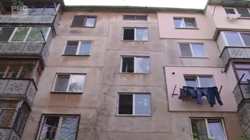 O mamă din Chișinău și-a înjunghiat ambii copii, după care a încercat să se sinucidă