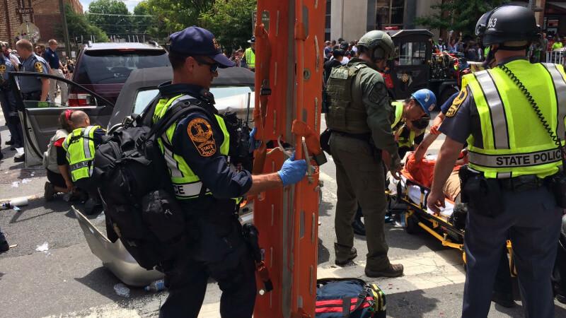 Stare de urgenţă într-un oraş din sudul Statelor Unite, din cauza protestelor rasiste. O maşină a intrat în mulţime