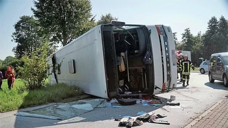 autocar rasturnat in Germania