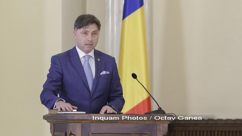 Ministrul Viorel Ilie, întrebat dacă este dispus să renunţe la mandat: Desigur!