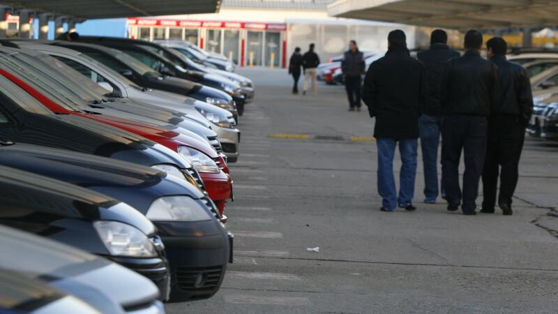 Mii de mesaje din partea utilizatorilor impotriva majorarii taxei auto