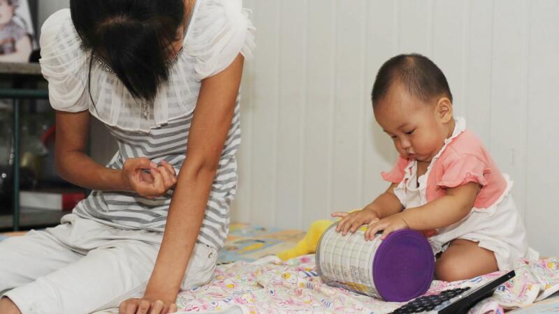 Drama mamelor din China. Risca inschisoarea si amenzi de zeci de mii de dolari pentru al 2-lea copil