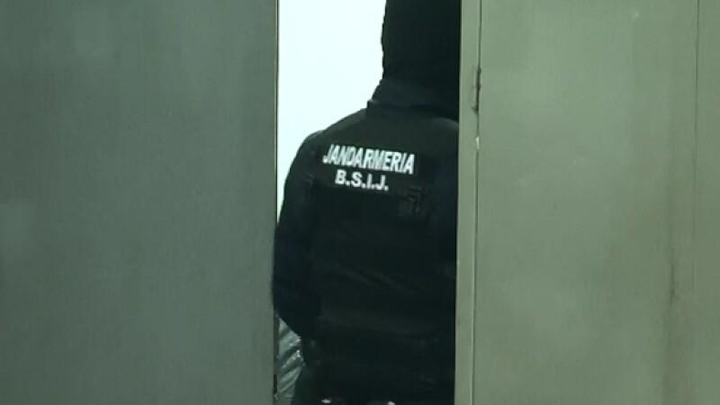 Perchezitii la o primarie din Suceava. Cum au ajuns ajutoarele de la APIA la oameni care nu au nici pamant, nici animale