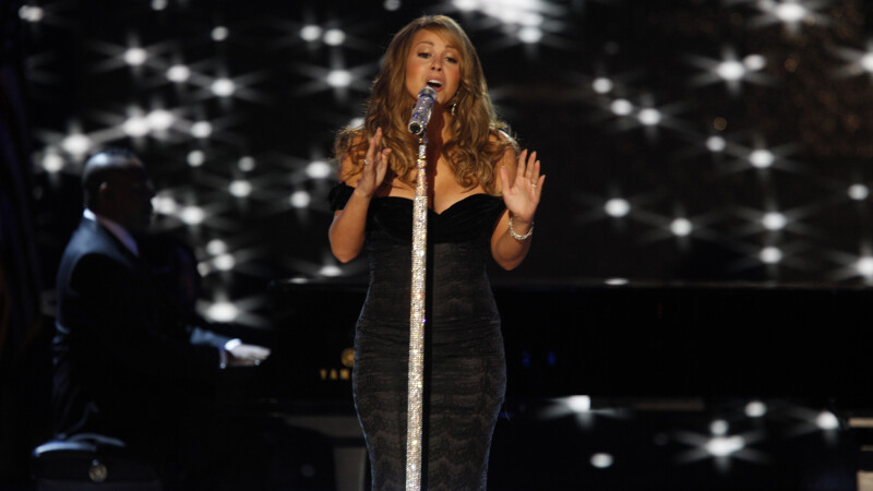 Mariah Carey, internata de urgenta la spital. Ce a patit indragita cantareata