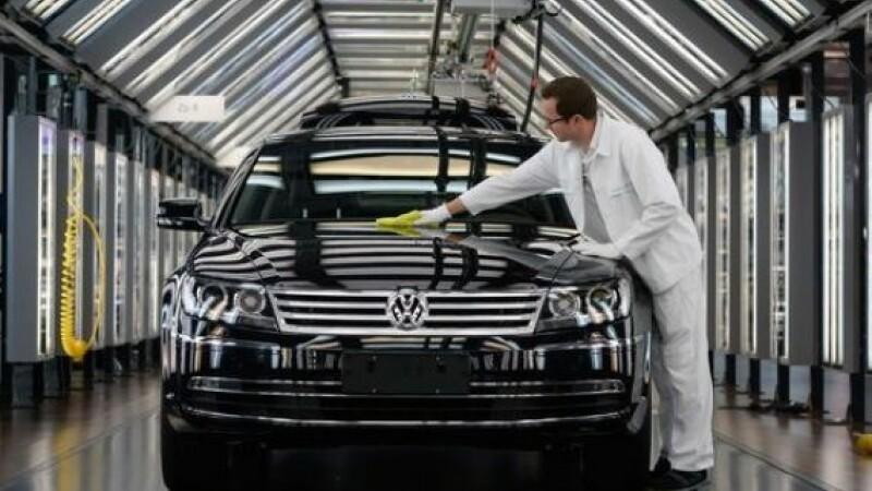 Volkswagen inchide productia in doua fabrici. Cat l-a costat scandalul emisiilor pe cel mai mare producator auto din Europa