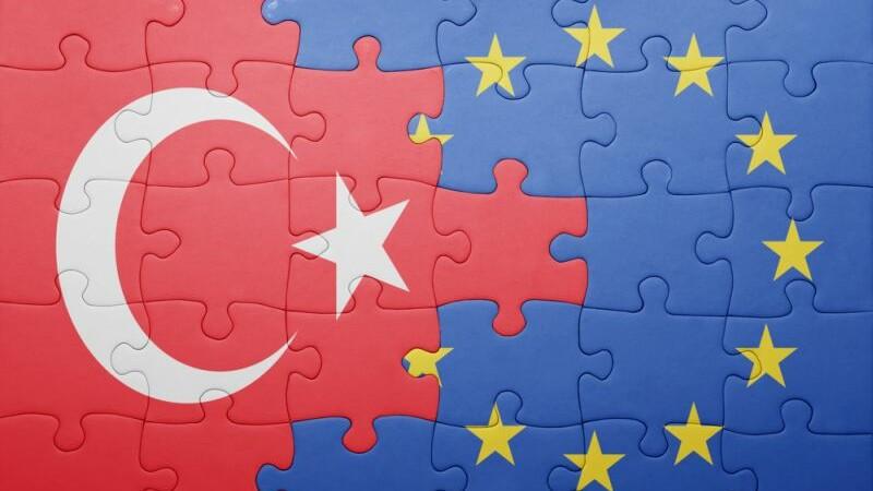 Un nou pas pentru aderarea Turciei la UE. Decizia vine la doua saptamani de la summitul privind criza imigrantilor