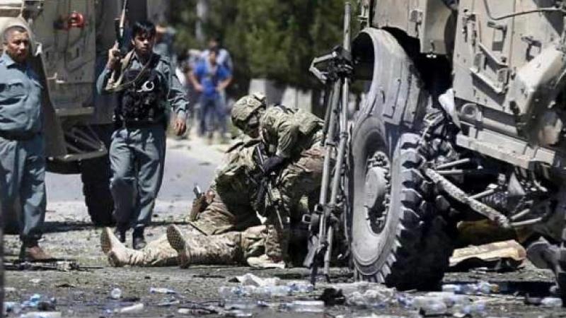 Cel putin trei soldati NATO, ucisi intr-un atentat sinucigas al talibanilor in Afganistan