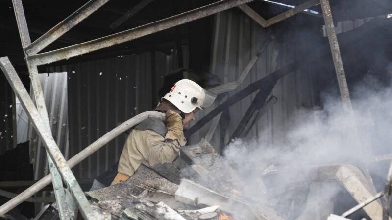 Explozie puternica la Donetk, intr-o statie de autobuz. . Politistii au venit la fata locului