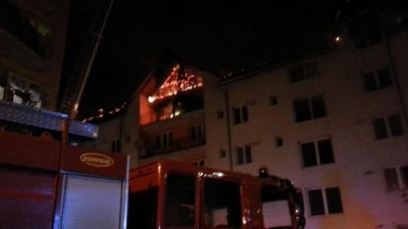 Incendiu intr-un bloc de locuinte sociale din Bistrita.