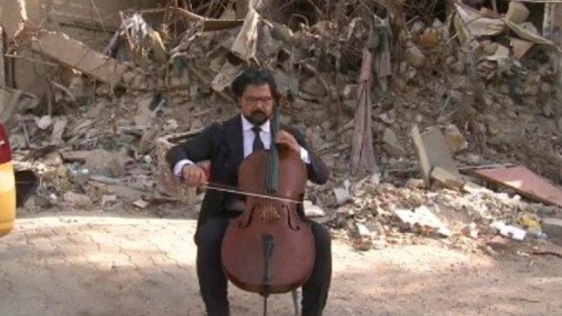 A cantat printre ruine, la cateva ore dupa un atac cu bomba al ISIS. Gestul acestui dirijor a impresionat o lume intreaga