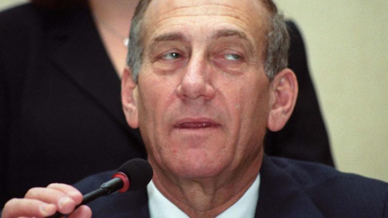 Fostul premier israelian Ehud Olmert, condamnat la 1 an si jumatate de inchisoare. Faptele grave de coruptie de care e acuzat