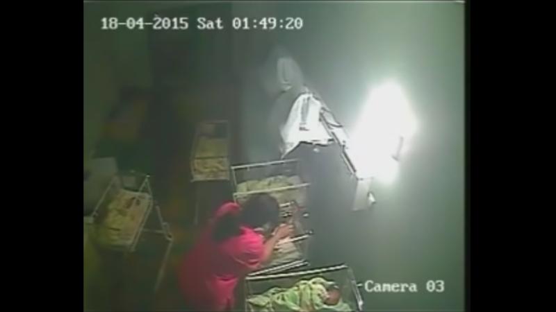 O asistenta din Bulgaria, surprinsa de camerele de supraveghere in timp ce batea un bebelus. Imaginile sunt tulburatoare