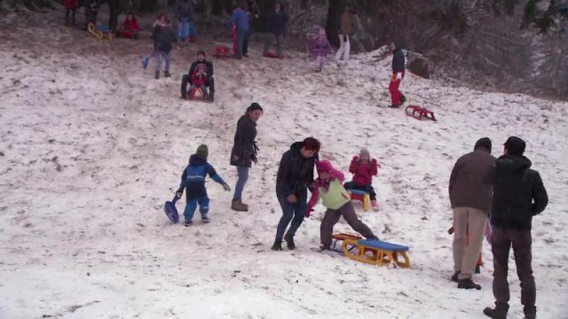 Zapada de la munte a ajuns direct pe Facebook. Turistii s-au grabit sa le arate prietenilor imagini de pe partie
