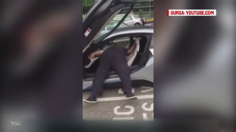 Ce s-a intamplat in momentul in care un barbat obez a vrut sa coboare din masina lui sport. Prietenii au ras de el in hohote