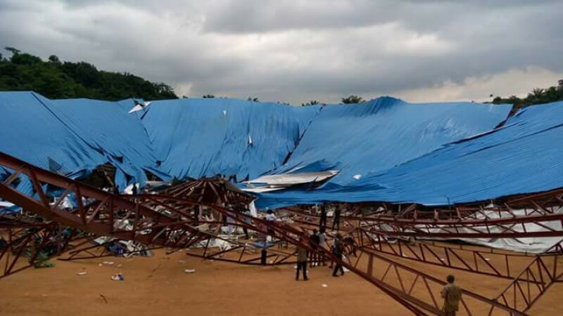 Zeci de morti, in Nigeria, dupa ce o biserica s-a prabusit peste oameni. Acoperisul era in constructie