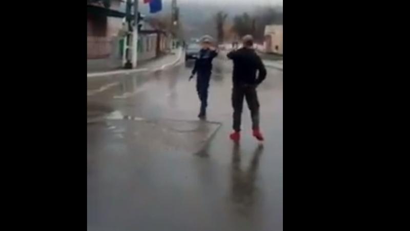 Bărbatul care a lovit un polițist aflat în misiune la Tulcea, arestat preventiv