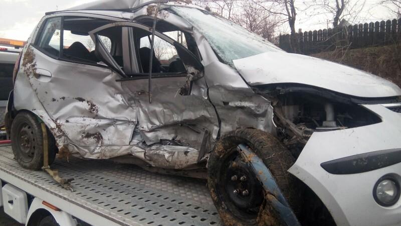 Accident mortal pe o șosea din Iași. Șoferița, o tânără de 21 de ani, a murit