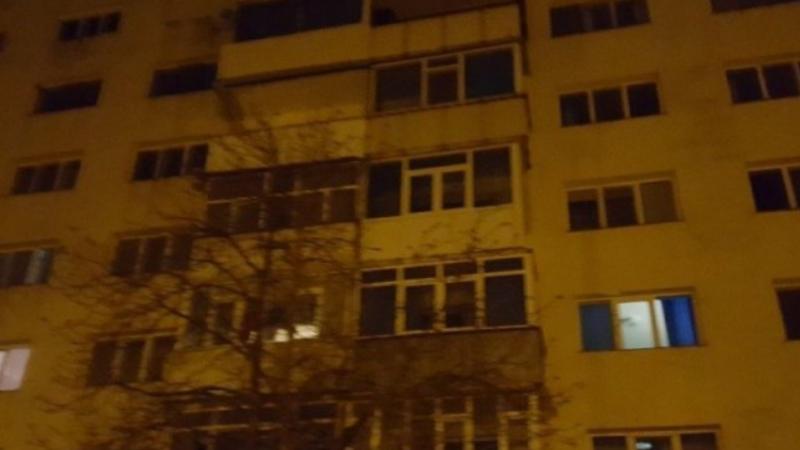 O femeie s-a spânzurat în balconul apartamentului său din Iași