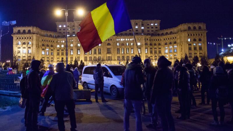 Imaginea devenită virală după protestul de la Parlament. Reacțiile internauților